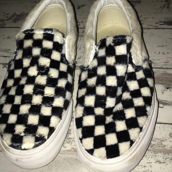 provide large selection of latest style world-wide renown Furry checkered vans. Size 8